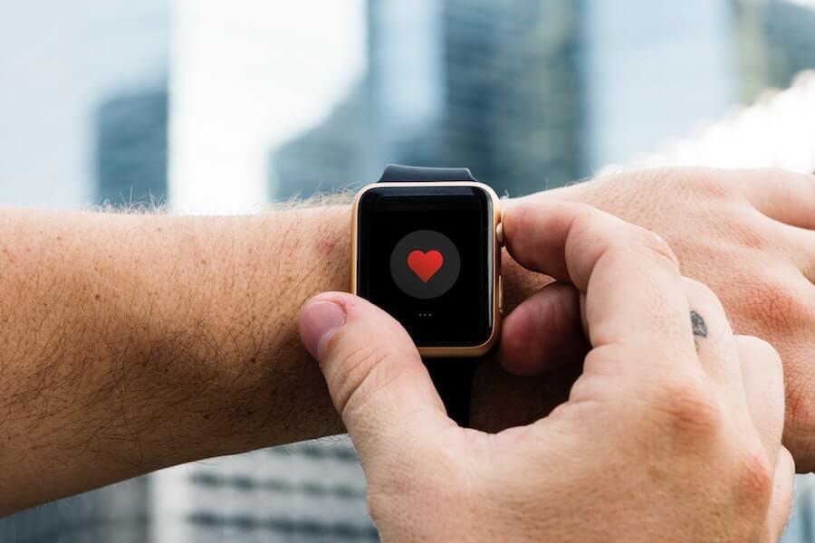 Relógio digital com registos médicos