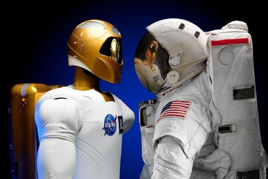 Robot astronauta